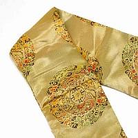 Goldener Schwertbeutel mit eingesticktem Muster